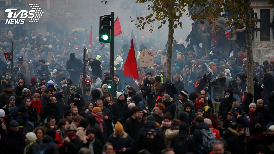 圖/達志影像路透社 法國抗議退休金改革罷工 巴黎日常生活大癱瘓