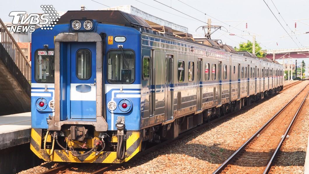 出門在外真的要注意安全。示意圖/TVBS 搭火車遭詭異男肘擊正臉 女乘客淚訴:真的好可怕