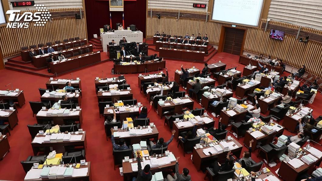 圖/中央社 高市議會通過總預算案 綠批國民黨不給討論