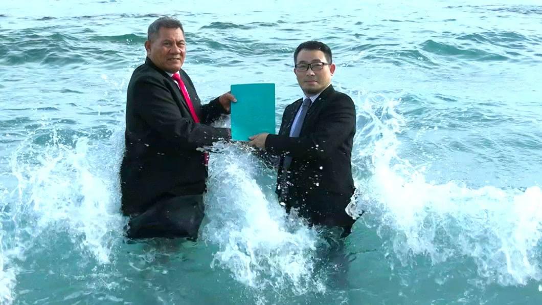 當極端天氣成為常態,需以更具創意的形式來喚起全球社會行動 圖/作者提供 【觀點】全球首位「氣候緊急大使」 為吐瓦魯發聲