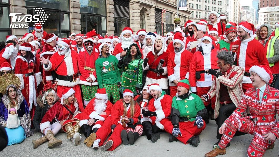 圖/達志影像美聯社 耶誕老人變裝趴太脫序! 紐約客抵制:最噁的日子