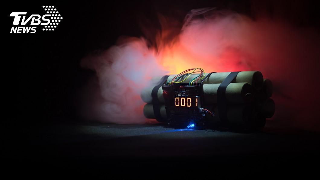 泰國一名無業男子疑不慎引爆自製炸彈而炸死自己。(示意圖/Shutterstock達志影像) 做炸彈慘自爆 泰無業男「碎屍噴10公尺」遭野狗啃食