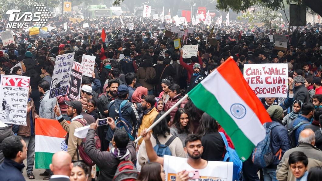 圖/達志影像路透社 公民法引燃抗議怒火 印度內政部長關注情勢發展