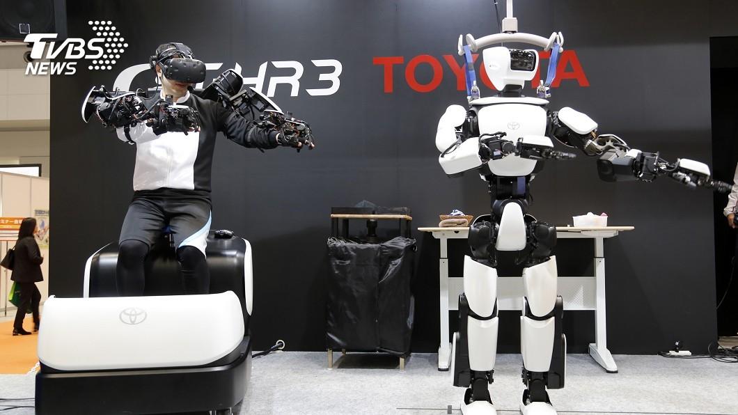 圖/達志影像美聯社 豐田機器人T-HR3 同步即時操控省人力