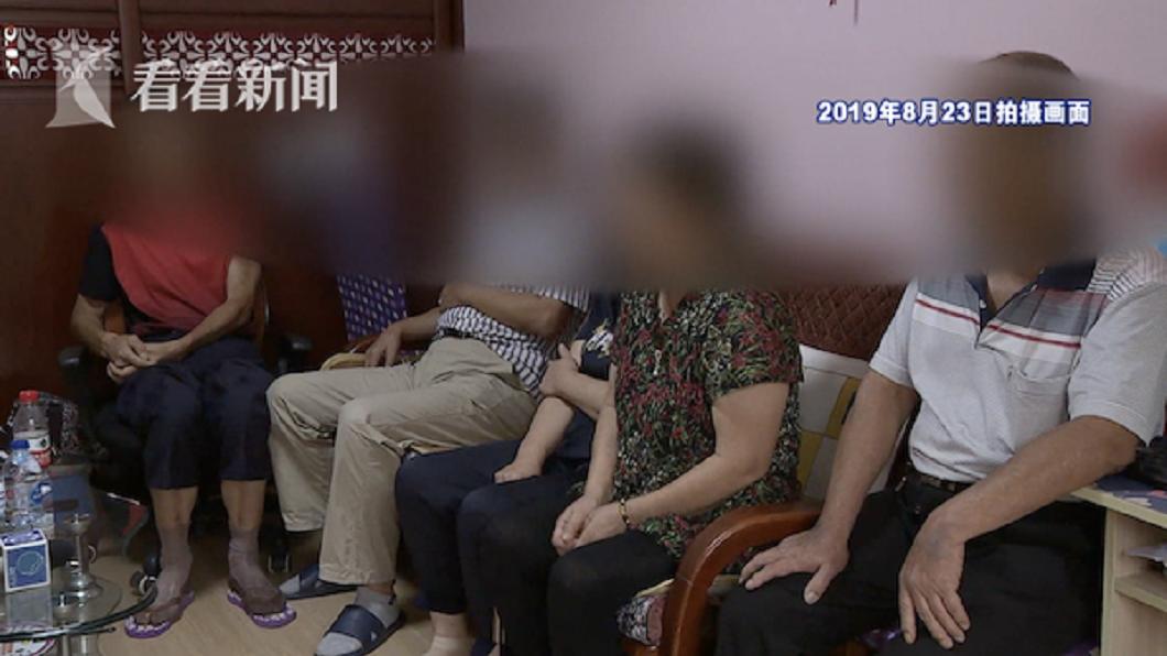 上海1戶人家的5兄妹,為了父母親過世後留下的遺產分配反目成仇。(圖/翻攝自看看新聞) 5兄妹為房子撕破臉…父母骨灰不下葬 反遭丟棄垃圾桶
