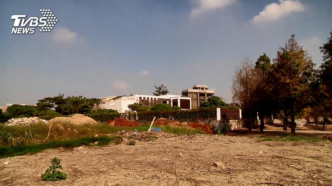 圖/TVBS 指控張家農舍侵占國有地 蘇治芬質問張麗善拆不拆