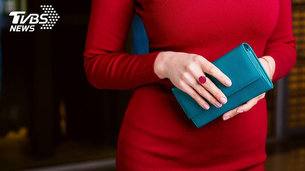 錢包款式也會影響財運。(示意圖/shutterstock 達志影像) 錢包款式、顏色影響財運?守「4大招財術」旺整年