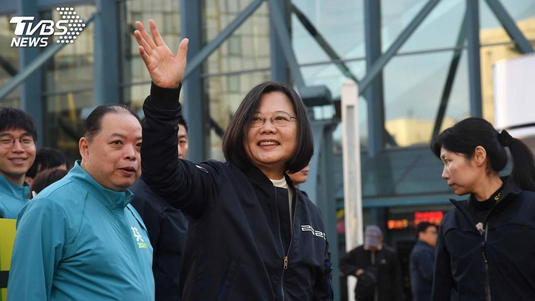 圖/中央社 全台300路口拜票同步造勢 蔡總統現身小巨蛋