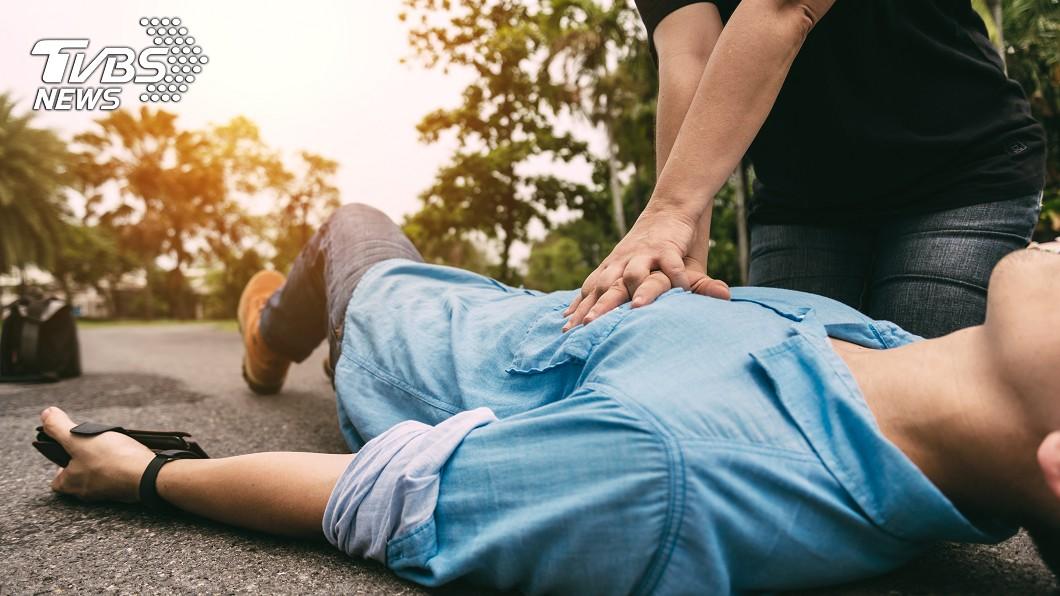示意圖/TVBS 婦買藥「心臟驟停」昏倒 老闆CPR救命反被告