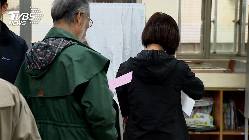 每次大選投票,都在臺灣社會中造成無意義的對立撕裂 【觀點】你瞧不起我,還想說服我?