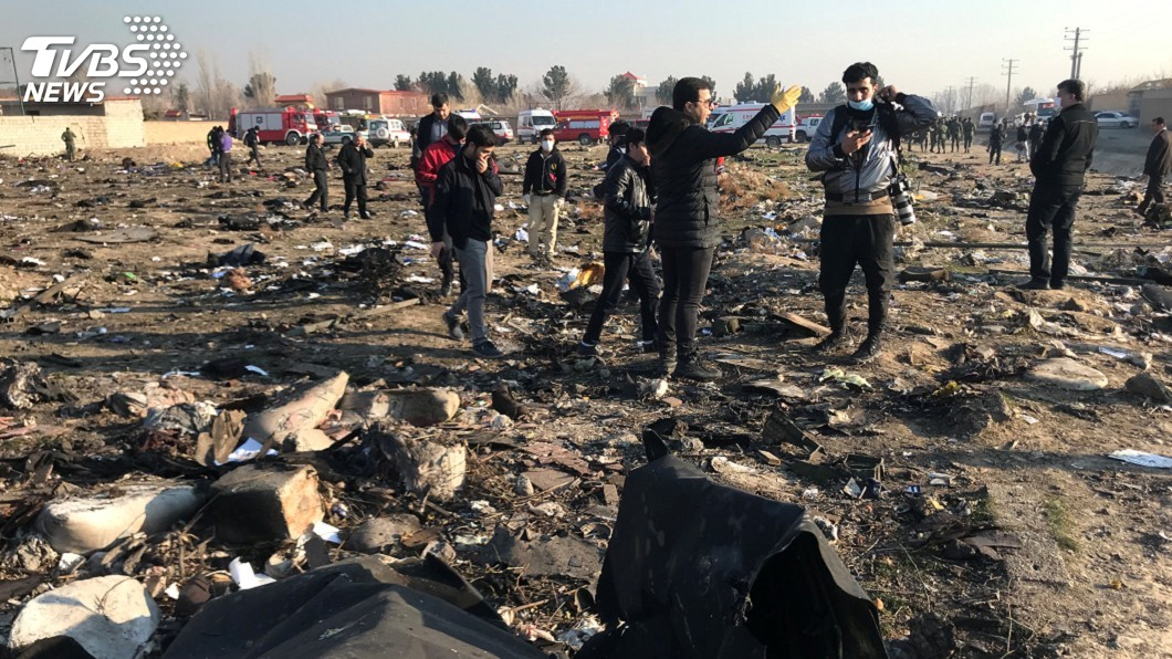 圖/達志影像路透社 烏克蘭航空班機墜毀伊朗 火勢過大無從救援