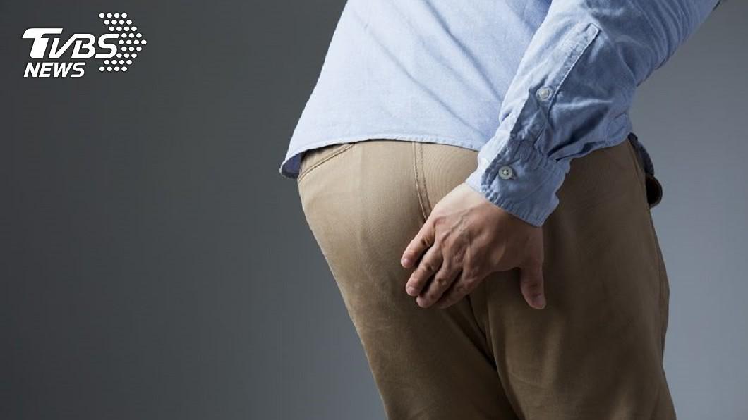 男子放屁太過頻繁,每15分鐘就會放1次。(示意圖/shutterstock達志影像) 15分鐘噗1個!他婚宴上狂放臭屁 醫嘆:是腫瘤