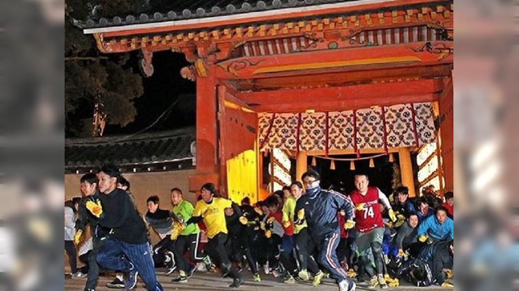 圖/翻攝自kobeshimbun_hanshin IG 日本的「搶頭香」! 西宮神社選「令和福男」