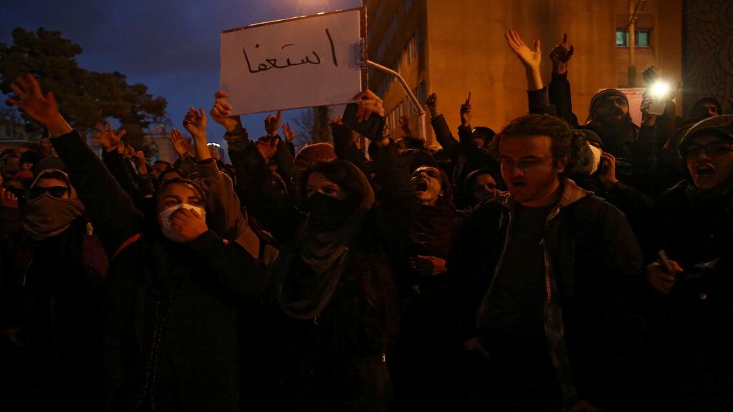 圖/達志影像路透 伊朗人痛恨謊言 抗議政府誤射民航機