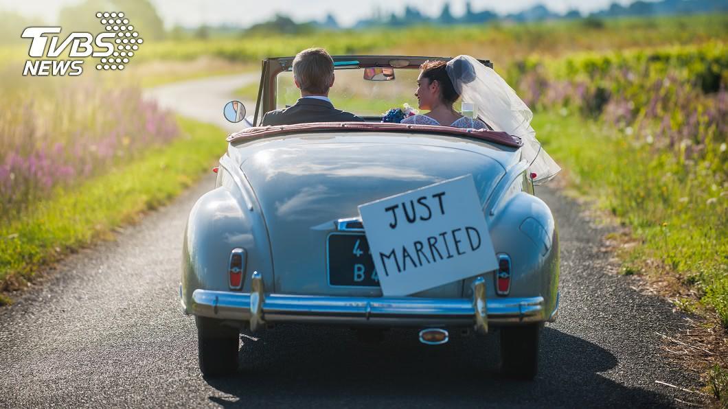 你覺得合理嗎?(示意圖/TVBS) 新娘列清單要伴娘吐錢 眾人驚呆:連禮車都要拗!
