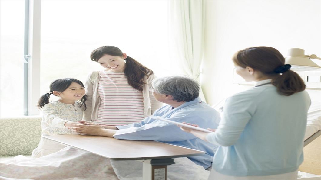 示意圖/達志影像 13個居家照護案主 搶一人!日本需才孔亟