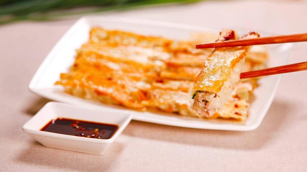 很多人都喜歡吃八方雲集的鍋貼、水餃。(圖/翻攝自八方雲集 Taiwan Facebook) 八方雲集悄悄調漲 網驚:小數點怎麼算?