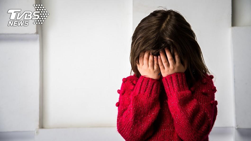俄羅斯日前發生一起3歲女童被餓死在家的悲劇。(示意圖/TVBS) 自私嫩媽離家狂歡1週 獨留3歲女餓到吃洗衣粉暴斃