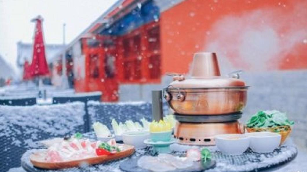 圖/翻攝自新京报微博 紫禁城圍爐一桌3萬 北京故宮年夜飯突喊卡