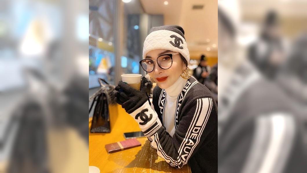 凍齡驚艷外媒! 63歲陳美鳳登英每日郵報