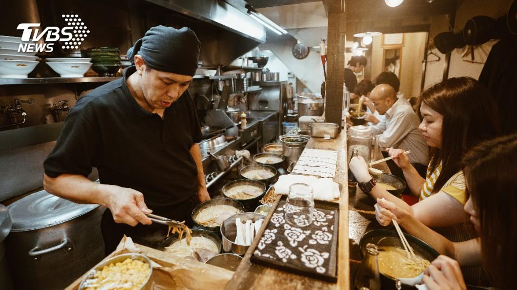 (拉麵店示意圖/shutter) 為何日本拉麵店座位少?內行人點出「關鍵原因」