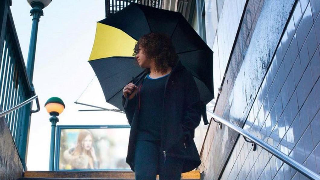 圖/翻攝自Davek Umbrellas twiiter 號稱全球最堅固! 美國「萬元頂級傘」大風吹不壞