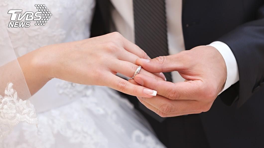 (示意圖/TVBS) 為何富二代愛娶女星或女主播?他曝現實真相:壓力超大