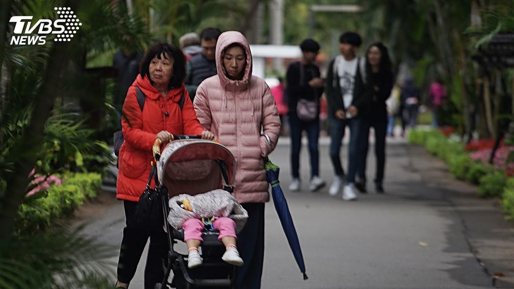 圖/中央社 白天冷氣團稍減弱 北台灣及宜花整天仍涼冷