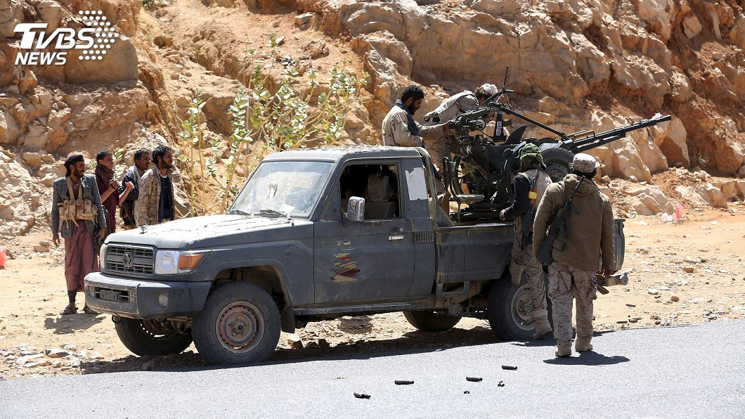 圖/達志影像路透社 葉門中部清真寺遭飛彈攻擊 已逾100人喪命
