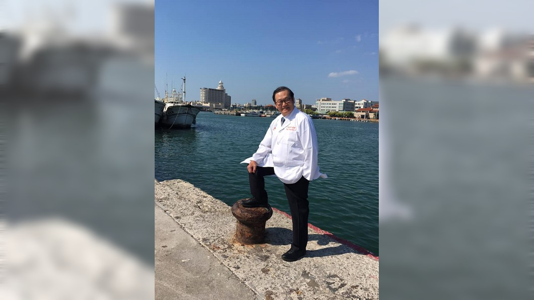 義大醫院院長杜元坤被稱為「紅包醫師」。(圖/翻攝自杜元坤臉書) 狂醫跳島看診、捐半薪30年近億 患者曝看診超暖心經驗