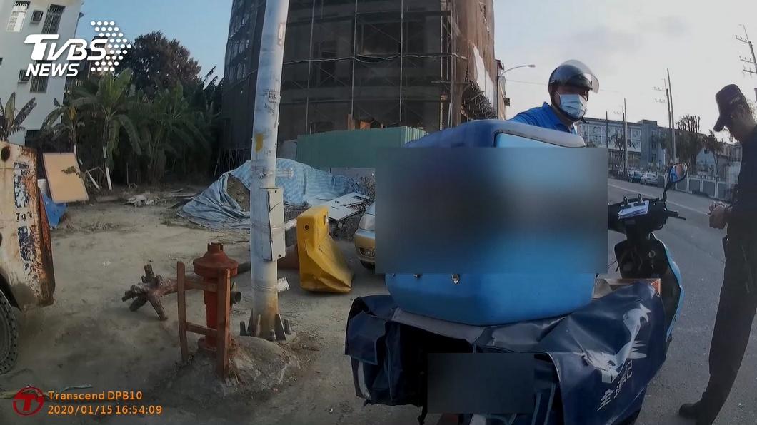 圖/TVBS 可惡!詐騙集團衝業績 亂寄包裹騙人付錢