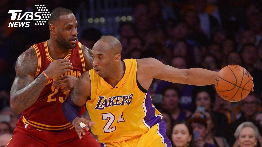 詹姆斯(Lebron James)得知柯比布萊恩(Kobe Bryant)噩耗痛哭。(圖/達志影像路透社) 向Kobe致敬 詹姆斯:會延續傳奇