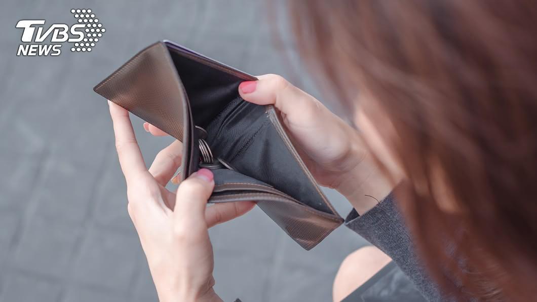 明年有4生肖恐破財。(示意圖/shutterstock達志影像) 破財被騙賣家產 明年「4生肖」看緊錢包沒用