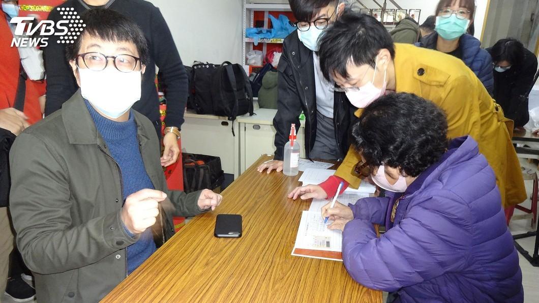 圖/中央社 罷韓二階連署首日 公民團體:粗估簽署書逾1萬份