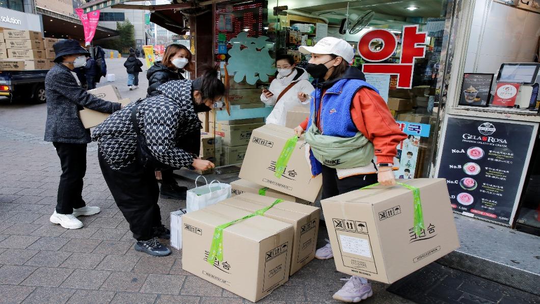 圖/達志影像路透 陸商搶南韓KF94口罩 捧10億買光工廠貨