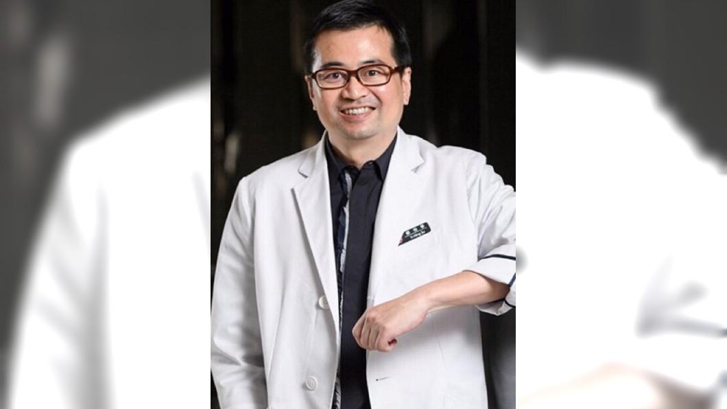 (圖/翻攝自禾馨婦產科臉書) 小禾馨4診所也拿AZ疫苗 老闆蘇怡寧:未讓民眾接種