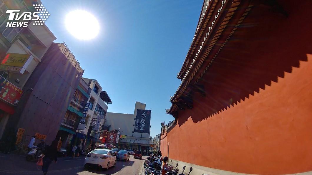 圖/中央社 把握好天氣!陽光露臉氣溫回升 西半部日夜溫差仍大