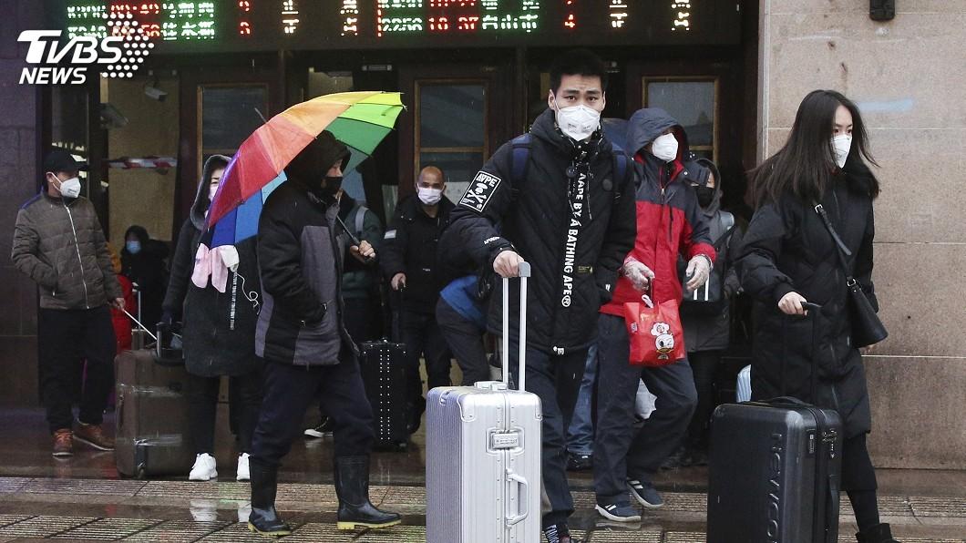 圖/達志影像美聯社 2千名港人滯留湖北 港府是否接送備受壓力