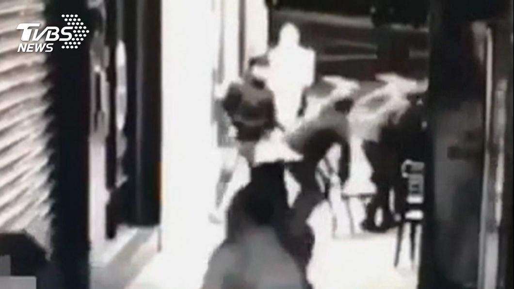無照騎車猛叭!4國中生遭打傷 警3分鐘逮人