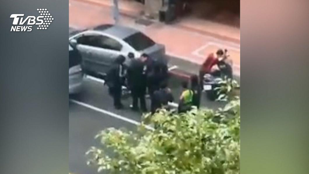 那是贓車!追查汽車竊案 遇賊開2槍制伏