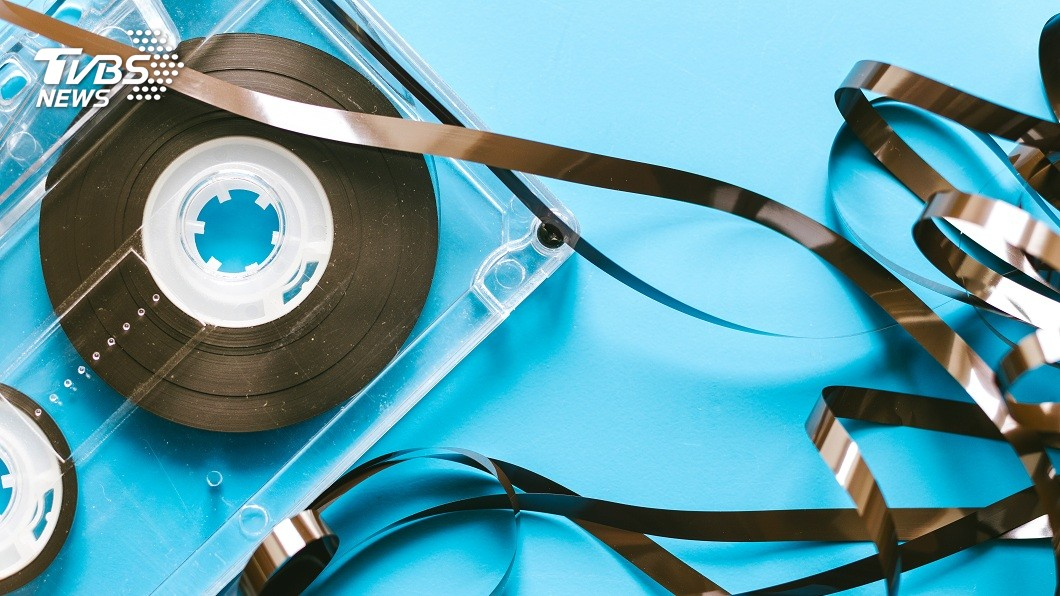 1捲泡了海水將近25年的錄音帶,竟然還能播放。(示意圖/TVBS) 驚!海灘遺失錄音帶 泡海水26年沒壞還能播放