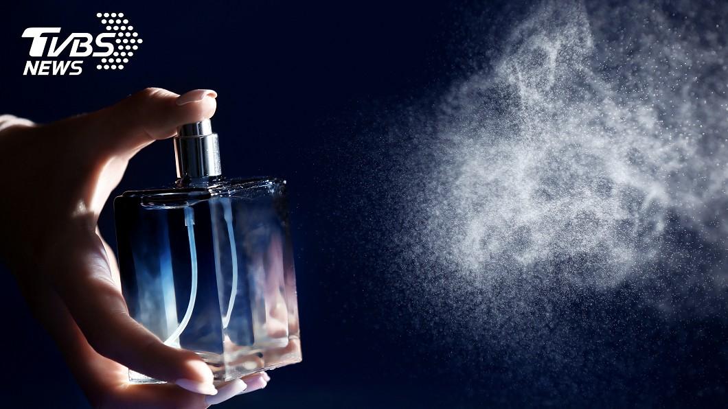 學姊過世後,還常在醫院走廊聞到她的香水味 (示意圖/TVBS) 學姊過世後「走廊飄她香水味」 護理師嚇壞:還越變越濃