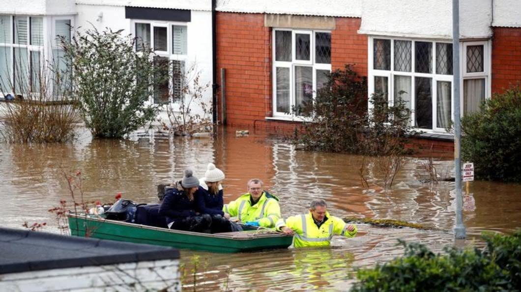 圖/達志影像路透 冬季風暴接連襲英 單日狂發:614處洪水警報