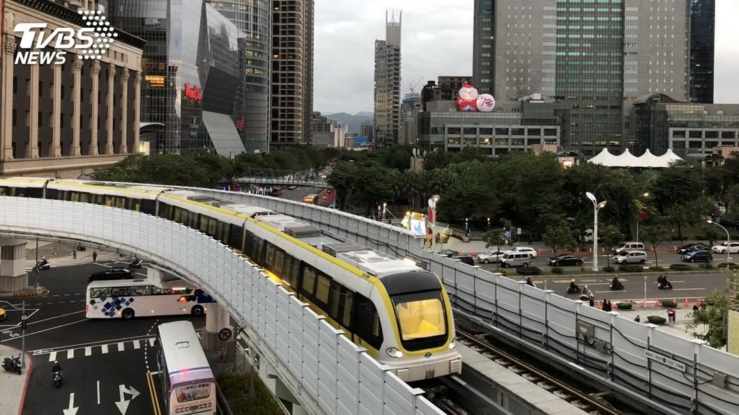 捷運環狀線通車,讓整個交通網絡更加完整。(圖/TVBS) 搭環狀線超龜速「像坐輕軌」 網友曝缺點:文湖線2.0