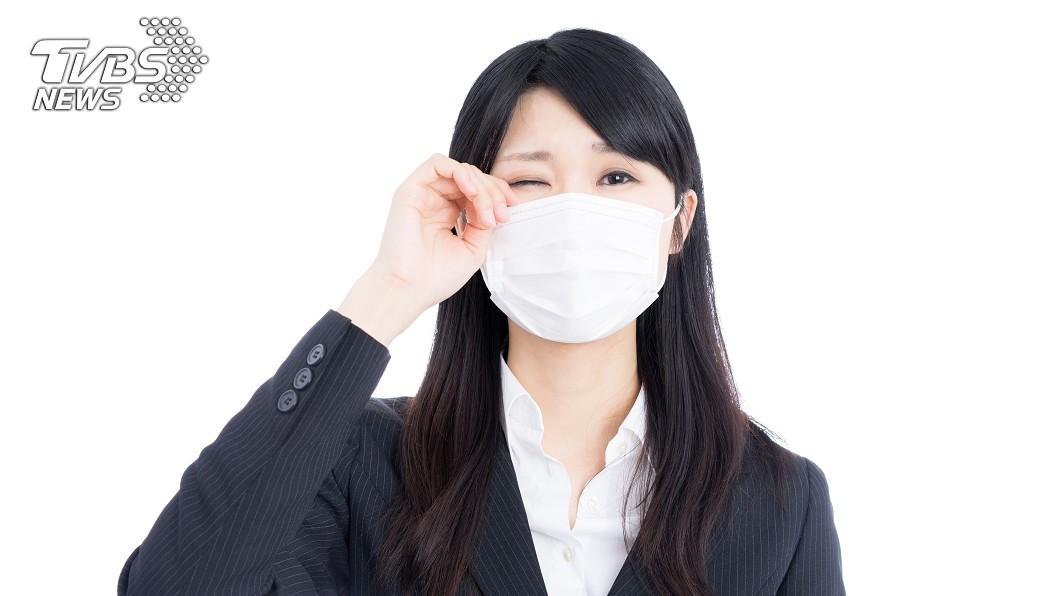 全球確診病例及死亡人數不停攀升。(示意圖/TVBS) 逛網拍驚見「口罩紙盒」遭瘋搶 眾人秒點出關鍵重點