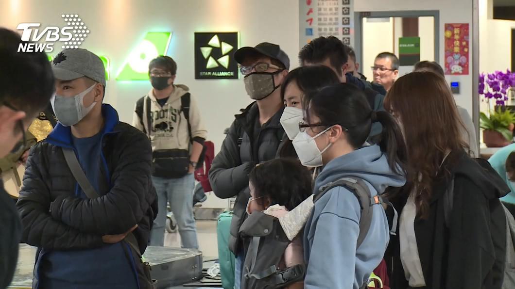 新冠肺炎疫情令世界各國陷入恐慌。(圖/TVBS) 預言「台灣人口死一半」 中正黨主席:聽我歌曲能健康