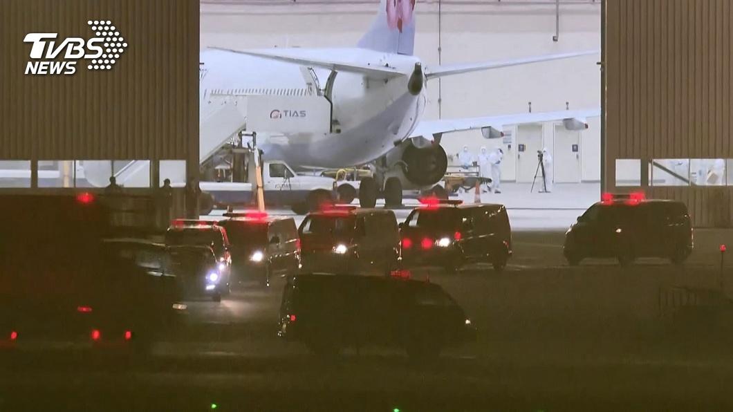 在鑽石公主號上滯留的19名國人,昨晚已搭乘專機返抵國門。(圖/TVBS) 公主號19國人一採結果出爐 全陰性今深夜二採