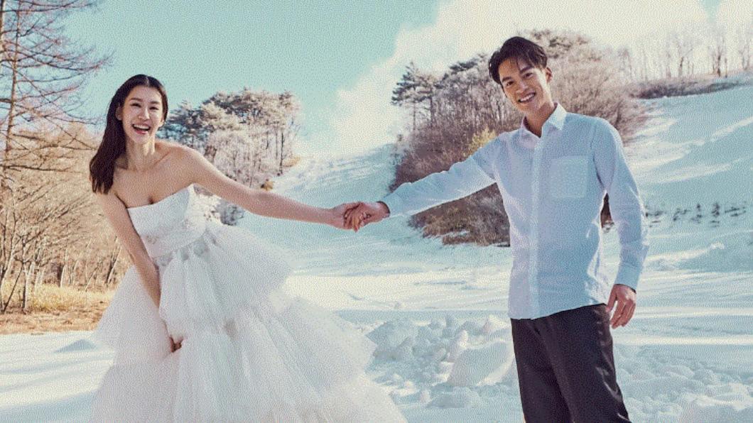 (圖/翻攝自C.H wedding 婚紗臉書) 許孟哲升格當爸 名模妻曬「寶寶正面」:歡迎抽號碼牌