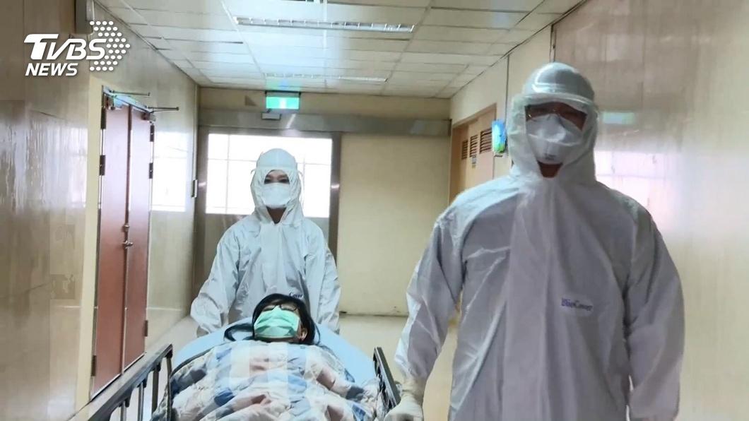 新冠肺炎疫情持續升溫,讓醫護人員備感壓力。(示意圖/TVBS) 負壓隔離病房空氣有病毒?醫曝這位置病菌最多