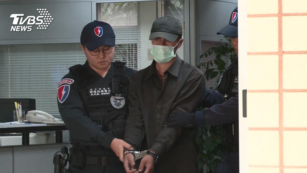 闖入桃園機場管制區的外籍男子判刑5個月有期徒刑。(圖/TVBS資料畫面) 外籍男攀飛機起落架 桃園地院判刑5個月